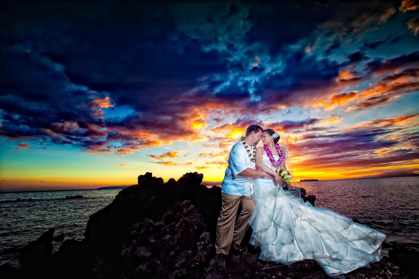 Maui hawaii weddings destination wedding photographer maui hawaii junglespirit Gallery