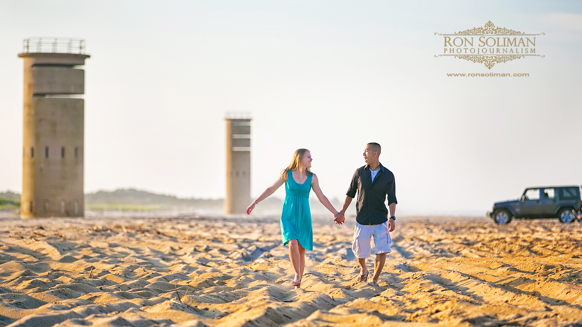 CAPE HENLOPEN BEACH ENGAGEMENT
