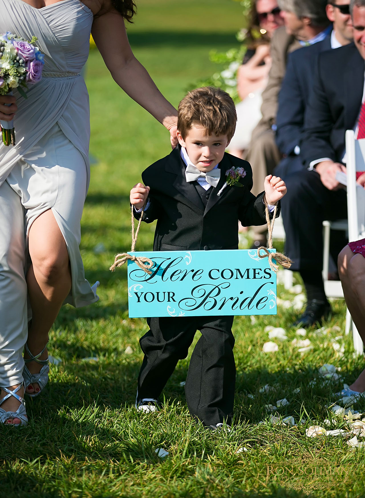 funny ring bearer photo