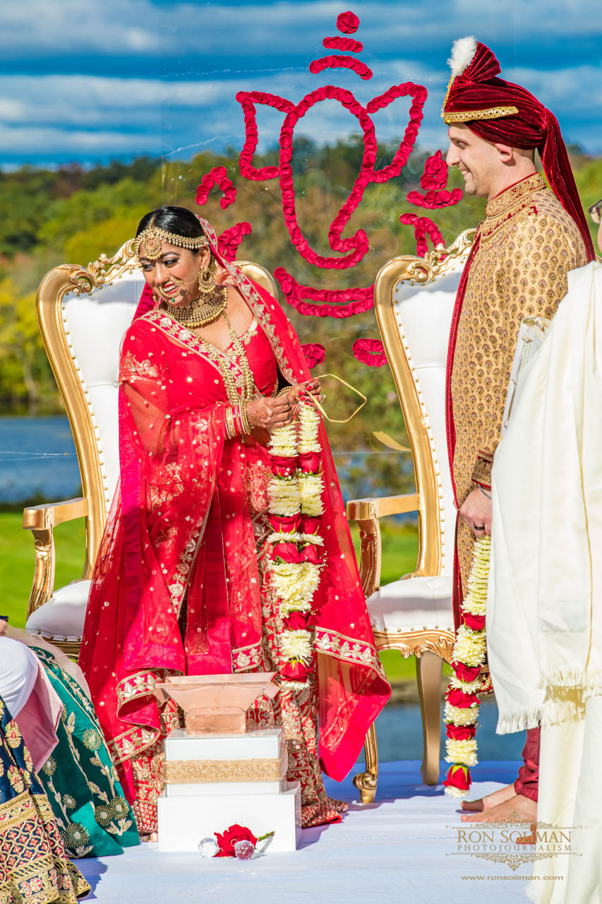 BROOKLAKE COUNTRY CLUB INDIAN WEDDING 30
