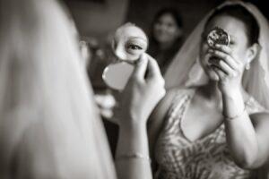 FUN WEDDING IMAGE OF FIRST DANCE